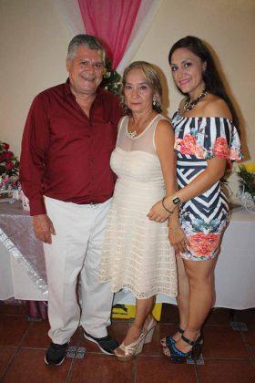 Jorge Ruiz, Yolanda Esponda, Alejandra Ruiz.