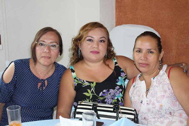 Gloria Monzón, Cristián Orellana, Lilia Ortiz.