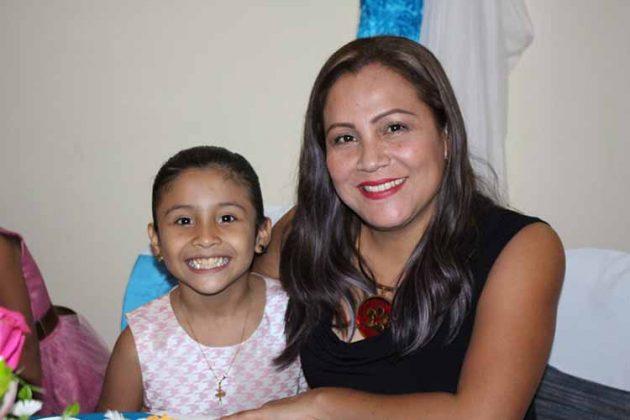 Pamela Velázquez, Daniela García.