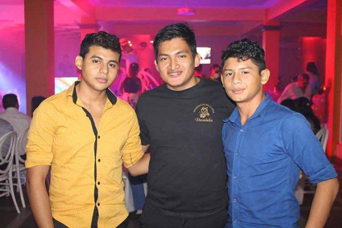 Omar Sánchez, Ismael, Axel Hernández.