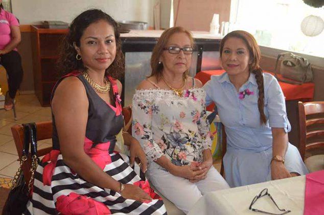 Fabiola Roque, Aury Castillo, Adriana Sibaja.