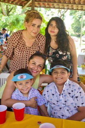 Carmelita Cerdio, Carmelita Ballinas, Deborah de Nazar, Iñaqui, Ignacio Nazar.