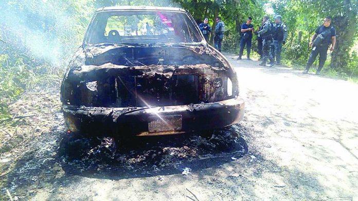 Se Incendia Camioneta por un Corto Circuito