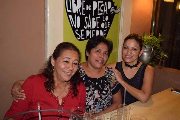 María Conde, Beatriz Ortiz, Lupita Ramos.