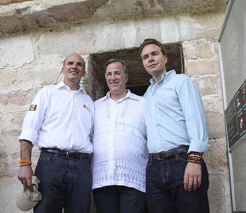 Ante el Secretario de Hacienda José Antonio Meade y el Gobernador Manuel Velasco Coello, el director general de Pemex, José Antonio González Anaya anunció la aportación de 25 millones de pesos anuales para conservación ambiental de esa región.