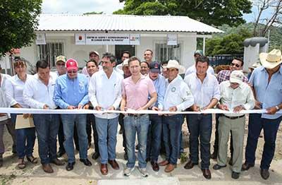 En gira de trabajo por Arriaga, el mandatario estatal destacó que en Chiapas se impulsan programas y proyectos que han permitido detonar el desarrollo del campo.