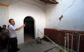 Las familias no están solas, trabajamos para reconstruir su patrimonio, destacó el Gobernador Velasco, al realizar un recorrido junto a su esposa Anahí de Velasco en los municipios de Suchiapa y Cintalapa.