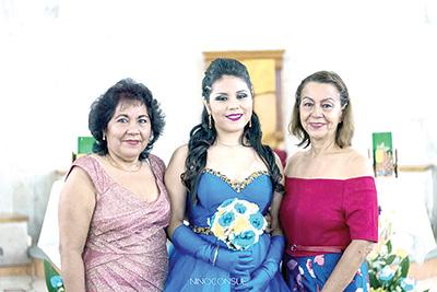 Las abuelitas Sonia Mota, Elizabeth Ventura.