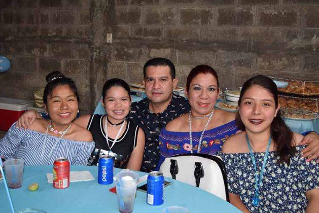 Shuyin Chiu, Naomi, Max Castillejos, Verónica, Jessica Chiu.
