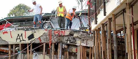 Los cuerpos de rescate continuarán buscando sobrevivientes entre los escombros, hasta agotar todas las posibilidades. Por su parte el Presidente Enrique Peña Nieto Manifestó que la reconstrucción en Oaxaca iniciará antes que el proceso electoral.