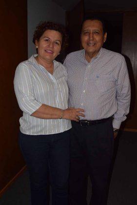 Norma Arellano, directora de CONECULTA Tapachula; Mario Ruiz Redondo.
