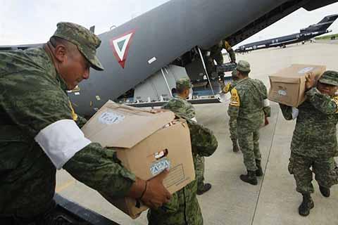Transportan los víveres hacia las comunidades más afectadas de Jaltenango, Jiquipilas, Tonalá, Pijijiapan, la Zona Sierra y Valle-Centro.