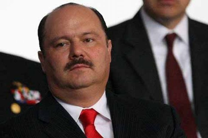 Se comprobó que Duarte adquirió las propiedades entre 2010 y 2016, período en el que estuvo a cargo de la administración chihuahuense. En los operativos fueron incautados además archivos, documentos en físico y digitales, vinculados con desvíos y negocios al margen de la ley.