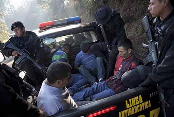 Un frente común conformado por los Gobiernos de Estados Unidos, Guatemala, Honduras y El Salvador, ha permitido la captura y desmantelamiento de varias células de MS-13 y Barrio 18, quienes mantienen en jaque a la población de esos países.