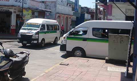 Urgen Medidas Ante Incremento de Accidentes de Combis y Taxis