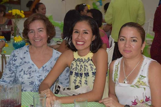 Lupita Tirado, Anna Villegas, Judith Cruz.