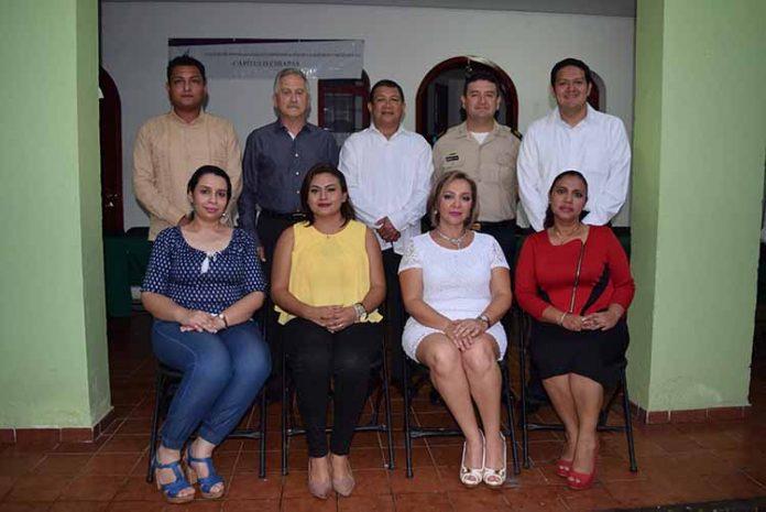 Autoridades civiles y militares, entre los que destacó el Diputado Federal Enrique Zamora Morlet, rindieron protesta los integrantes del nuevo consejo directivo.