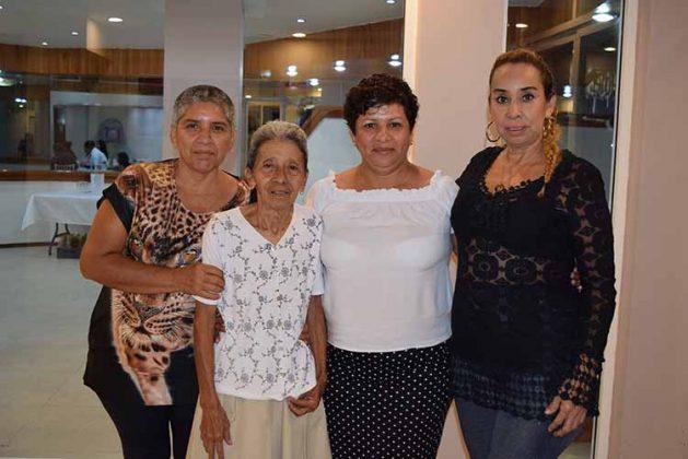 Sandra Pineda, María Moreno, María Elena, Maribel Pineda.