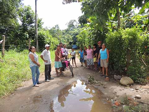 Aguas Negras Contaminan en la Col. San Antonio Cahoacán