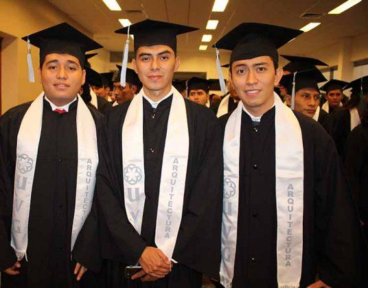 Eduardo Alcázar, Emanuel Anzueto, Agustín Chong.