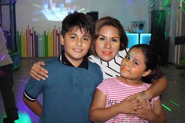 Fernando Osuna, Karla Padilla, Montserrat Osuna.