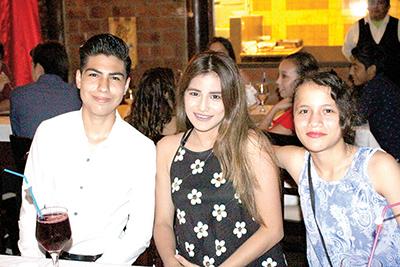 Fezther Huembes, Flor Sánchez, Ruth Cuan.
