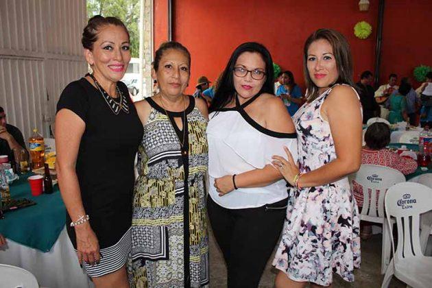Rebeca, Magaly, Alejandra, Nalleli Cueto.