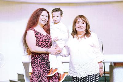 El pequeño Mateo Casanova fue consentido por sus abuelas Patricia Zetina & Yolanda Casanova.
