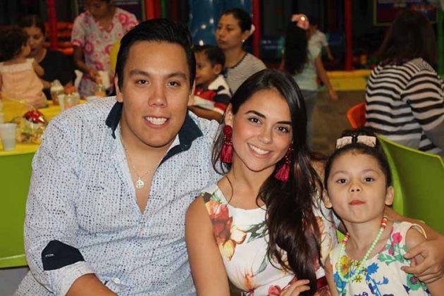 Jorge Solórzano, Alexia Elorza, Tiara Solórzano.