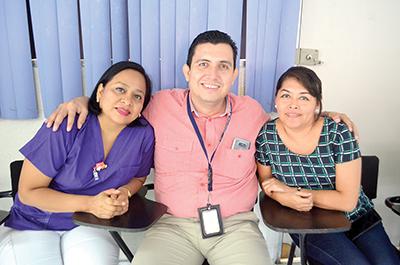 Rocío, Eduardo Velasco, Carmelita Avendaño.