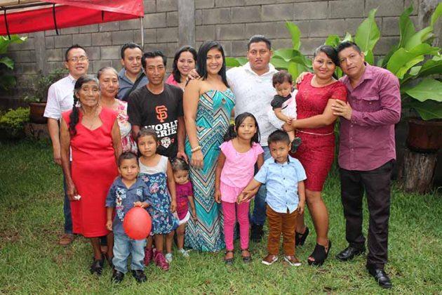 El Pequeño Edgar Celebró en compañía de sus abuelitos y tíos.