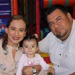 Carlos Hernández, Karla Constanza, Gabriela Escobar.