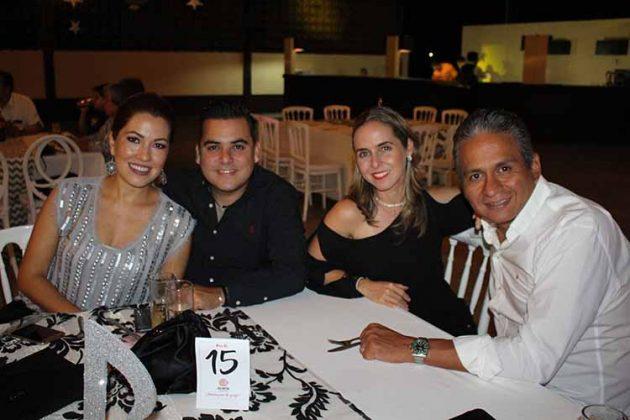 Michelle Cervantes, Daniel Martínez, Susan, Abel Barrios.