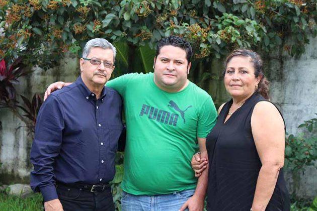 Ervin García, Ervin García, Verónica Paz.