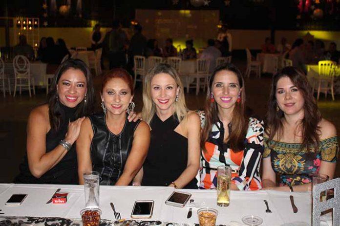 Lupita de Arrazate, Alejandra de Marín, Beba Pedrero, Brenda Villarreal, Alejandra de Antón.