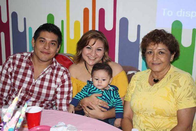 Roberto Guerson, Jesica Guerson, Ariel del Castillo, Beatriz Yutte.