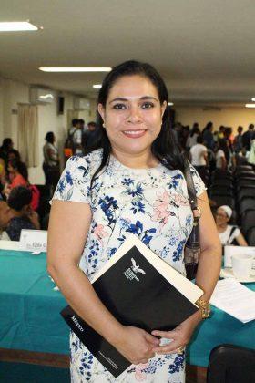 Egda Gómez, Moderadora.