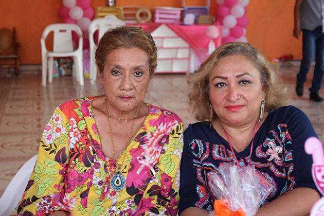 Hilda, Elsa López.