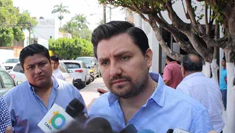 Anuncia Fernando Castellanos Campaña Gratuita de Estudios