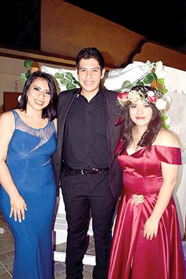 Ana Velázquez, Fernando Villalobos, Kristel Martínez.