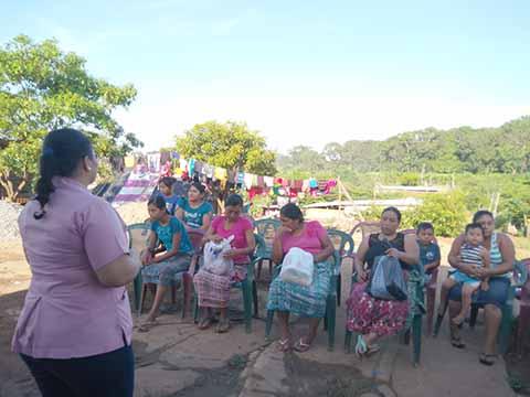 Llevan Pláticas de Planificación Familiar a Habitantes Cercanos al Basurero Municipal