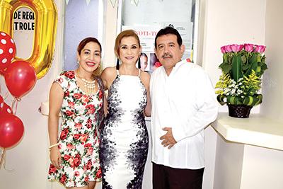 Olga Luz López, Tomas Domínguez.