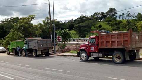 Demandan a Camioneros que Bloquean Construcción del Hospital del IMSS