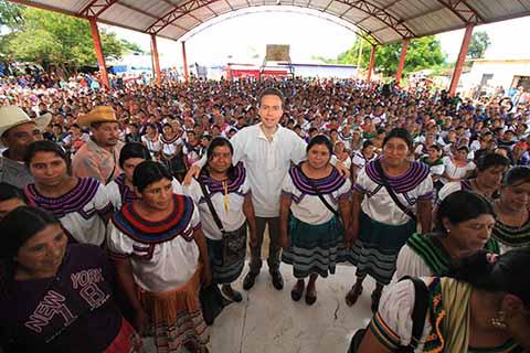 Llama Velasco a Redoblar Esfuerzos Contra la Pobreza