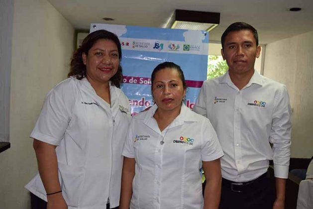 Julissa Guzmán, Claudia Ramos, Jonathan González.