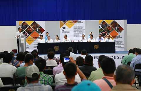"""Especialistas, Académicos y Estudiantes en el Seminario """"La Cafeticultura Chiapaneca"""" Organizado por la UNACH"""