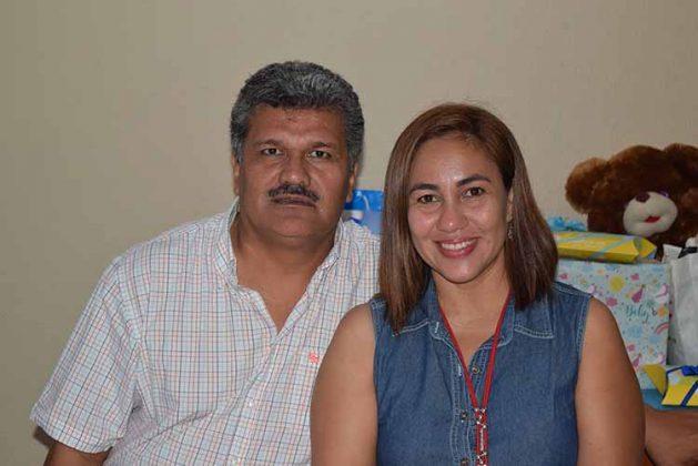 Fausto Blas, Adriana Mendoza.