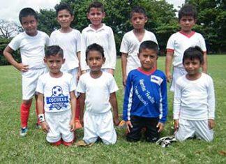 Escuela Futbol Tapachula y CEFOR Rocaem Jugaron Amistosos