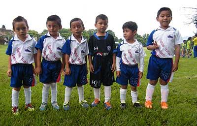 Escuela Futbol Tapachula y CEFOR Rocaem Disputan Amistoso