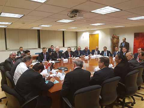Asiste el Rector de la UNACH a Reunión con el Secretario de Hacienda